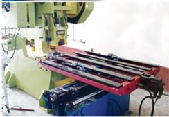 轻型薄板冲床数控送料机